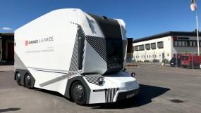 स्वीडन की सड़कों पर दौड़ा दुनिया का पहला बिना ड्राइवर वाला इलेक्ट्रिक ट्रक