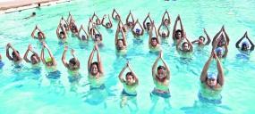 पानी में योग से निखरती है त्वचा, जल योग से हष्ट-पुष्ट रहता है शरीर, त्वचा में रहती है चमक