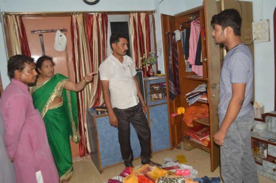 सांसद के छोटे भाई के घर से लाखों रू. के जेवरात उड़ा ले गए चोर