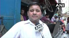 अलीगढ़ : कचौरी वाले को टैक्स विभाग का नोटिस, 60 लाख से ज्यादा की सालाना आय