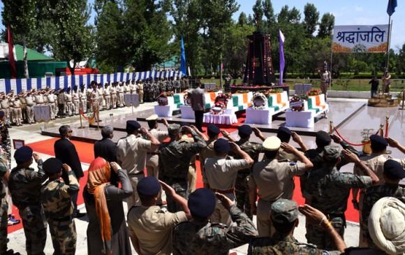 J&K: आतंकियों ने CRPF के काफिले पर किया हमला, 5 जवान शहीद