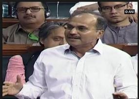 इंदिरा से मोदी की तुलना पर भड़के कांग्रेस नेता अधीर रंजन, बाद में मांग ली माफी