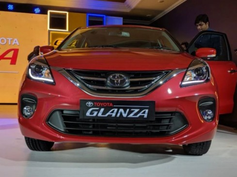 Toyota Glanza को शानदार रिस्पॉन्स, कार के इस वेरिएंट की अधिक डिमांड