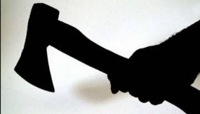 कुल्हाड़ी से जानलेवा हमला करने के बाद थाने पहुंचा आरोपी, पत्नी से अवैध संबंध का था संदेह