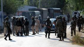 जम्मू-कश्मीर: शोपियां में मुठभेड़, सुरक्षाबलों ने दो आतंकियों को मार गिराया