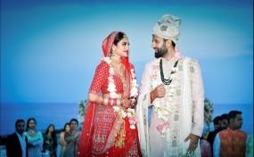 सांसद नुसरत जहां बंधी शादी के बंधन में, बिजनेसमैन निखिल जैन संग लिए सात फेरे