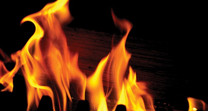 मुंबई हादसा : गैस लीक होने के चलते घर में लगी आग, चार झुलसे
