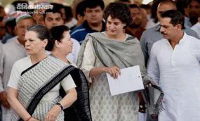 रायबरेली पहुंचीं सोनिया-प्रियंका गांधी, मतदाताओं का जताएंगी आभार
