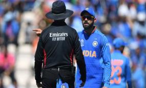 कप्तान कोहली पर लगा मैच फीस का 25% जुर्माना, आचार संहिता उल्लंघन दोषी पाए गए विराट