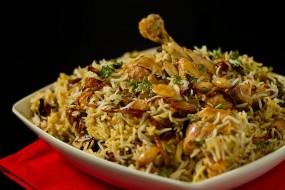 वीडियो रेसिपी: घर पर बनाएं टेस्टी चिकन बिरयानी
