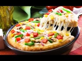 वीडियो रेसिपी: घर पर ऐसे बनाएं टेस्टी एक्स्ट्रा चीजी पिज्जा