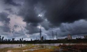 मौसम: भीषण गर्मी से बेहाल हुए लोग अब मानसून का इंतजार