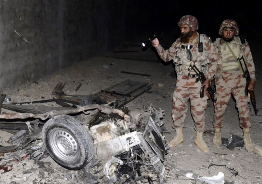 पाकिस्तान में हुए दो हमलों में 10 सैनिकों की मौत