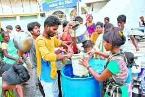 बारिश की बेरूखी ने लाया संकट, पानी पर ही काम करे प्रशासन- पालकमंत्री ने दिए निर्देश