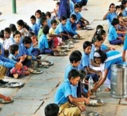नागपुर के 70 हजार विद्यार्थी अभी भी सेंट्रलाइज किचन से दूर