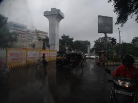 भारी बारिश की चेतावनी के बाद बाढ़ जैसे हालात से निपटने अलर्ट
