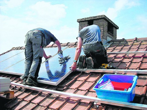 रूफटाप सौर ऊर्जा के लिए नेट मीटरिंग का सहारा ले रहे कंज्यूमर