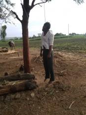 कर्ज से त्रस्त युवा किसानने की आत्महत्या