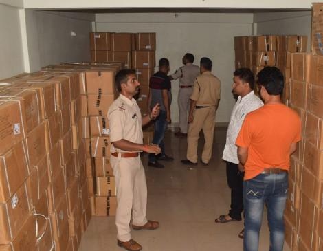 पुलिस ने पकड़ा कफ सिरप का जखीरा, बाजार में कीमत 60 लाख रुपए