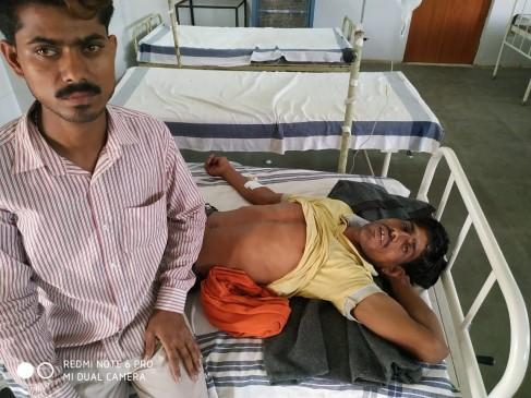 मौत का कुआं : मोबाइल निकालने की कोशिश में दो युवकों की जान गयी,बचाने में तीसरे की हालत बिगड़ी