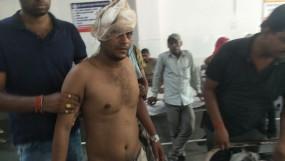 पुलिसकर्मियों पर हमला कर राइफल और वॉकी टॉकी लूट ले गए बदमाश