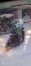 राहगीरों का चलना हराम कर दिया तेज साउंड वाले बाइक राइडर्स ने, गिर रहे दूसरे वाहन चालक
