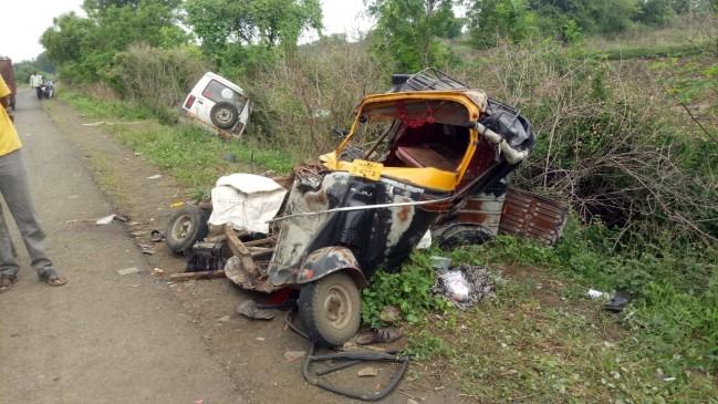 सूमो-ऑटो की भिड़ंत में 3 की मौत, 5 गंभीर