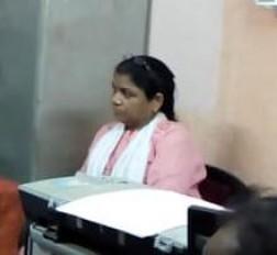 महिला कर्मचारी रिश्वत लेते गिरफ्तार, जनश्री बीमा संबल योजना का लाभ देने मांगे थे रूपये