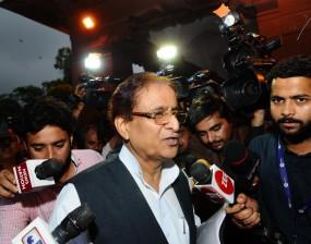 आजम खान पर अब लग्जरी रिसॉर्ट के लिए जमीन हड़पने का आरोप
