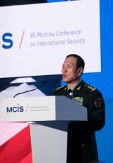 चीन शांतिपूर्ण विकास के रास्ते पर : रक्षा मंत्री