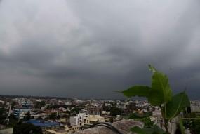 उप्र में बादलों की लुका-छिपी, बारिश की संभावना कम