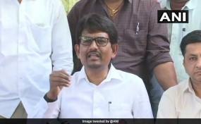 गुजरात : क्रॉस वोटिंग के बाद दो विधायकों ने छोड़ी कांग्रेस, कहा - राहुल ने धोखा दिया