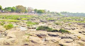 वर्धा में धामनदी सूखने से 11 ग्राम पंचायतों ने जलापूर्ति की बंद