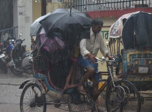 बिहार में बारिश से पारा लुढ़का