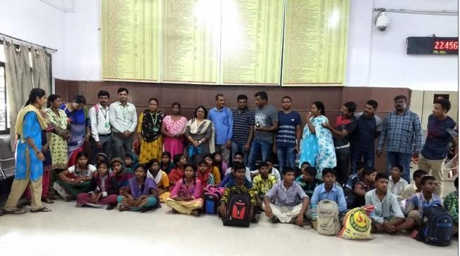 Human Trafficking : हैदराबाद से रेस्क्यू कर भोपाल लाए गए बालाघाट के 29 बाल मजदूर