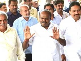 कर्नाटक: नहीं हो सका फ्लोर टेस्ट, विधानसभा की कार्यवाही स्थगित, बीजेपी विधायक धरने पर बैठे
