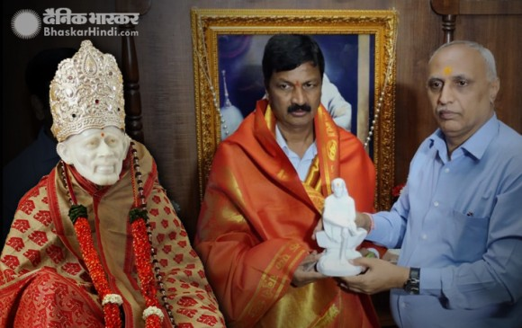 कर्नाटक: सांई की शरण में बागी विधायक, शिवकुमार बोले- नागराज हमारे साथ