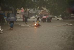 मुंबई में हुई मॉनसून की वापसी : दो दिनों तक भारी बरसात का अनुमान, आस में विदर्भ