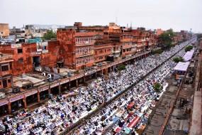 अलीगढ़ के मुफ्ती ने सड़कों के बजाय छतों पर नमाज के आदेश दिए