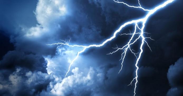 बिहार : ग्राउंड पर खेल रहे बच्चों के ऊपर गिरी बिजली, 9 की मौत