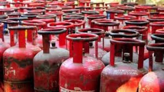 उज्ज्वला योजना के 76 हजार गैस कनेक्शन, नागपुर जिले के सांसद, विधायक-पार्षदों सहित एक लाख से ज्यादा उपभोक्ताओं ने छोड़ी सब्सिडी