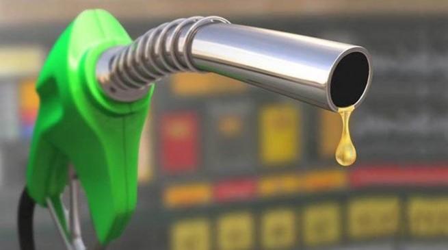 पेट्रोल डीजल कीमत: पेट्रोल 17 पैसे तक हुआ महंगा, डीजल के भाव स्थिर