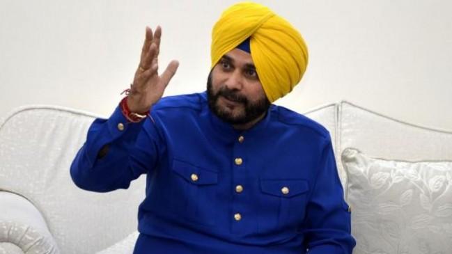 पंजाब कैबिनेट से बाहर हुए नवजोत सिंह सिद्धू, CM ने मंजूर किया इस्तीफा