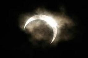 149 साल बाद आया ऐसा चंद्रग्रहण, इन बातों का खास तौर पर रखें ध्यान