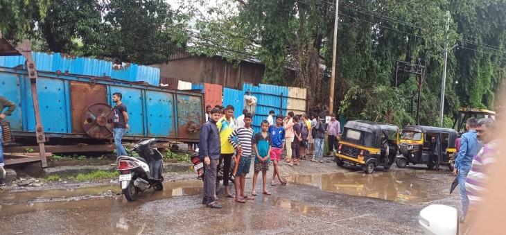नई मुंबई में तिहरे हत्याकांड से खलबली, एमआईडीसी परिसर में बंद पड़ी फैक्ट्री में मिले शव