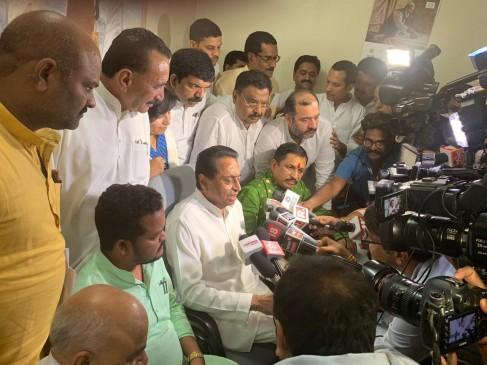 MP: बीजेपी में कमलनाथ ने लगाई सेंध, कांग्रेस के साथ आए दो MLA