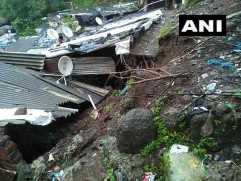 ठाणे में भूस्खलन से गिरी मकान की दीवार, दो लोगों की मौत, एक घायल