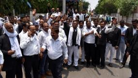 उप्र : लगभग 3.5 लाख वकील आज हड़ताल पर