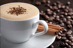 वीडियो रेसिपी: बिना कॉफी मेकर के बनाएं झाग वाली टेस्टी कॉफी