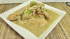 वीडियो रेसिपी: घर पर बनाएं रेस्टोरेंट स्टाइल में वाइट चिकन कोरमा